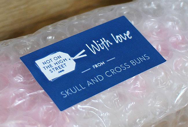 Skull-Crossbuns-1