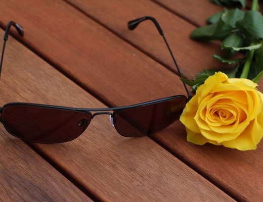 Glasses-with-flower