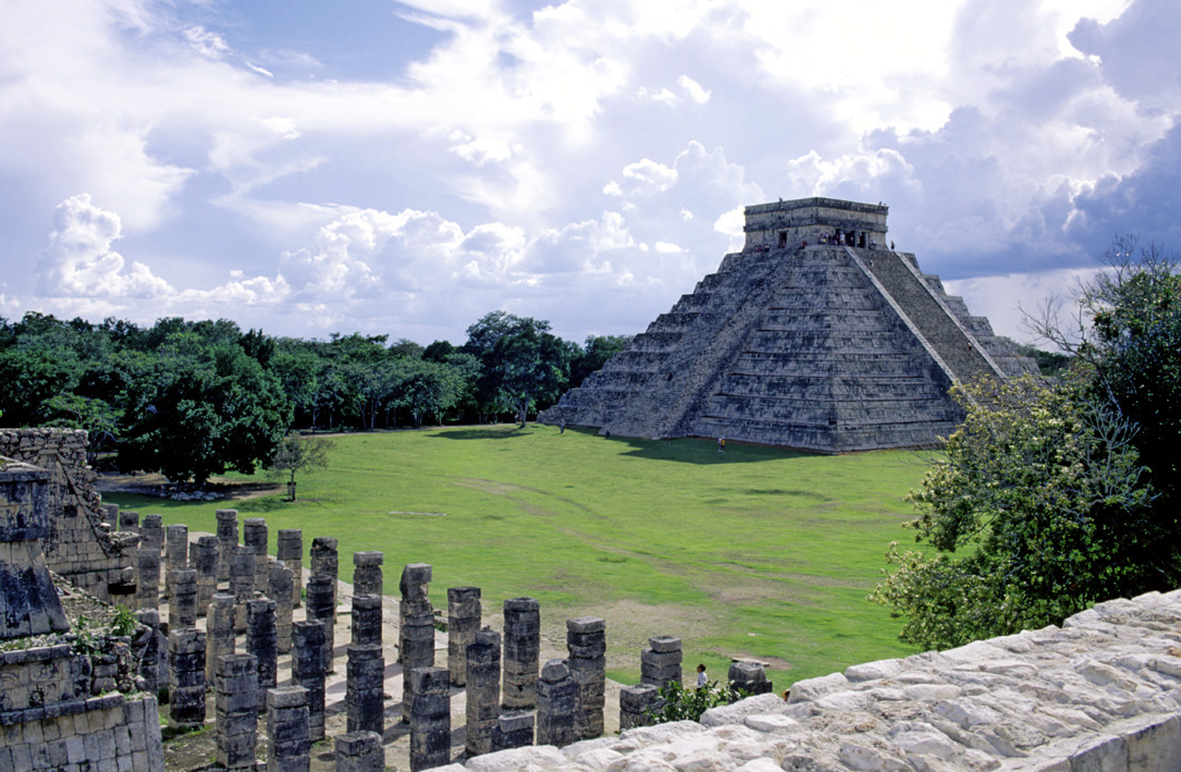chichen-itza-one-of-the-seven-wonders-of-the-world